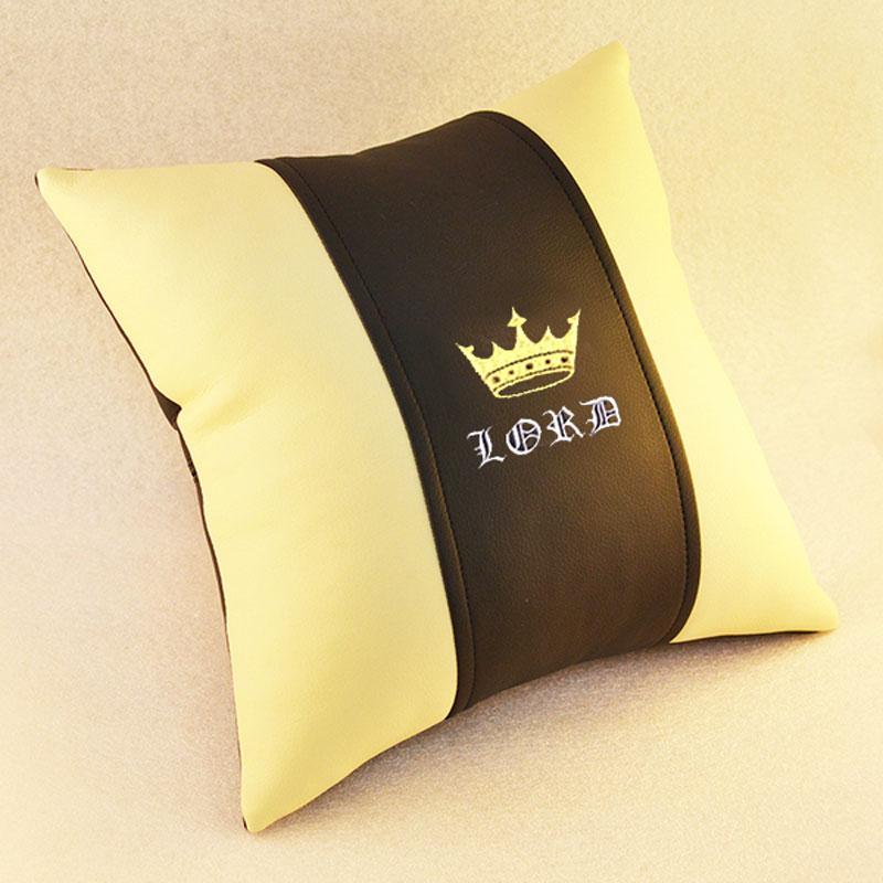 Подушка из черной кожи